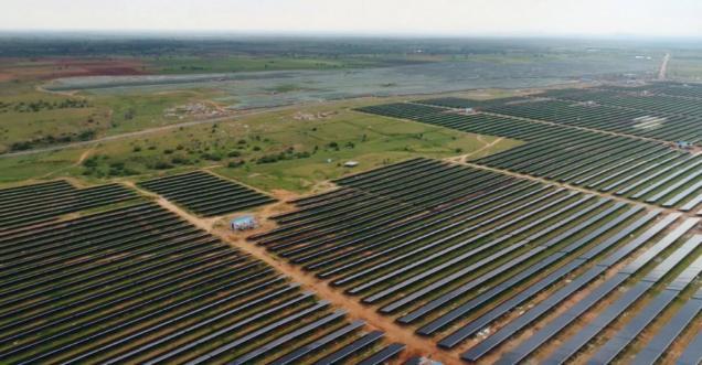بزرگترین پارک خورشیدی