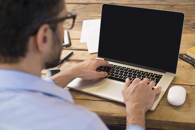 اموزش خاموش کردن کامپیوتر به صورت خود کار بدون برنامه جانبی!