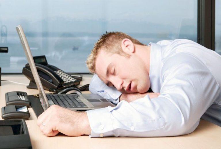 جالب:چرا در اواسط روز تمرکز کافی نداریم و خسته ایم؟