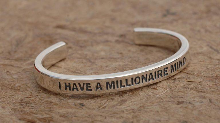 با این پنج عادت طلایی به راحتی میلیونر شوید !