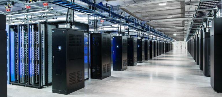 دیتاسنتر(Data center) یا مرکز داده چیست و چه ویژگی ها و کاربردهایی دارد