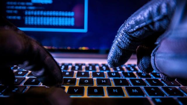 هکرها از چه ترفندهایی برای به دست آوردن پسوردهای ما استفاده میکنند؟