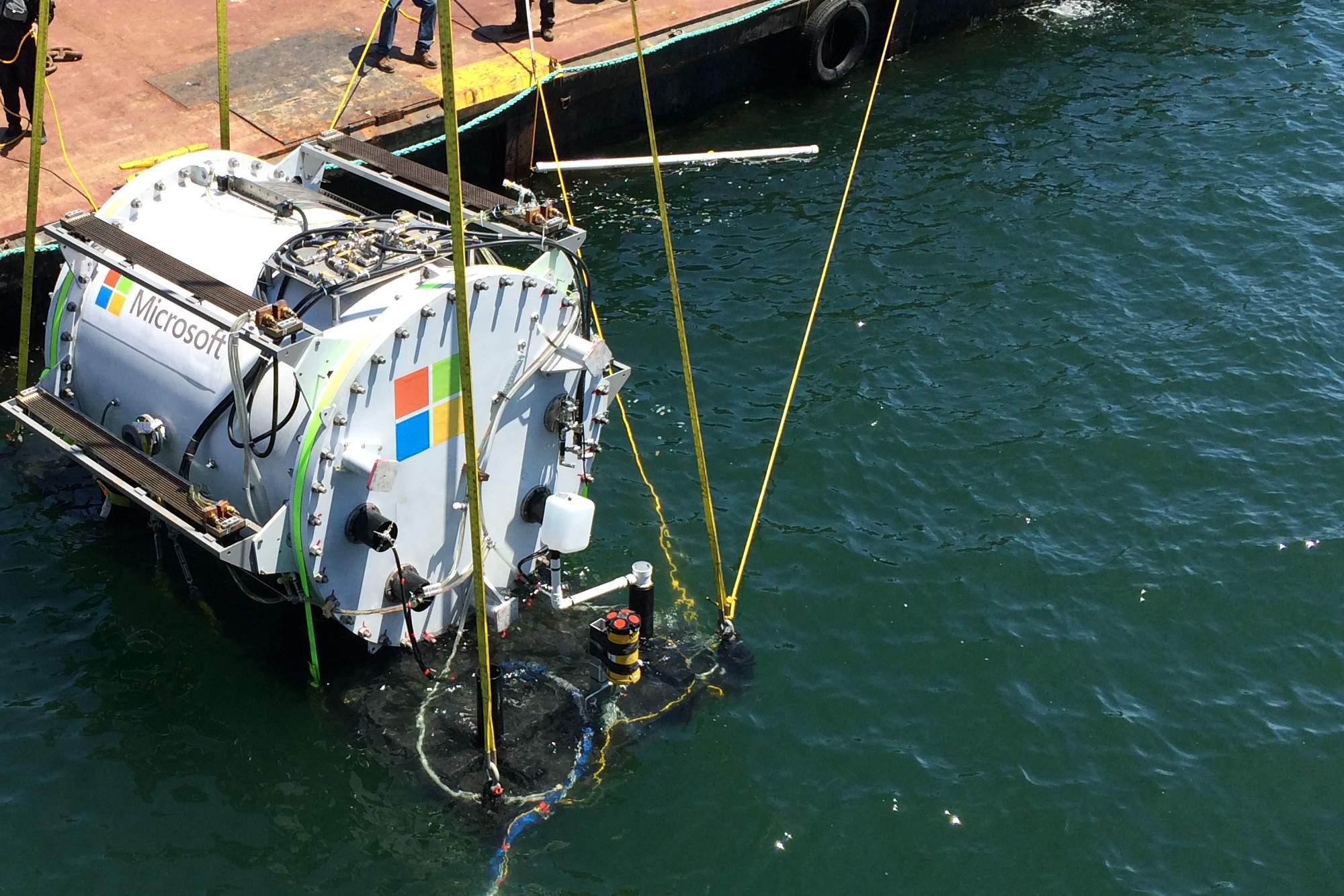 سرور مایکروسافت | دیتاسنتر درون آب
